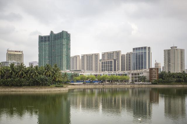 早报丨三亚凤凰岛投资集团有限公司100%股权挂牌转让