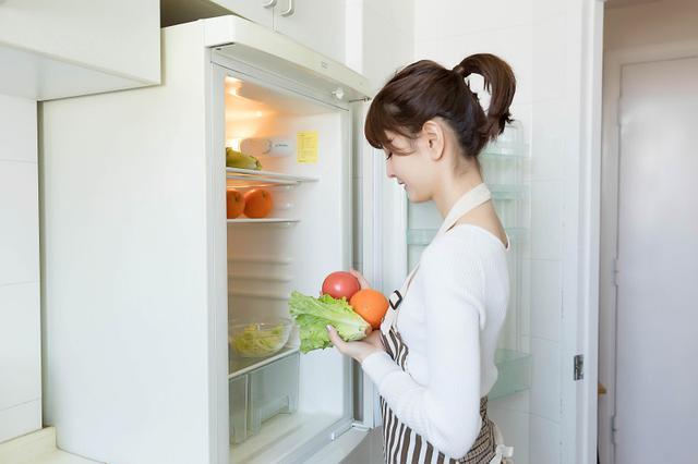 冰箱放着得罪灶王,让你颗粒无收!子孙三代都受穷