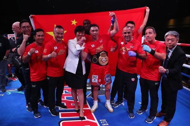 「GIF」1562拳击败罗伯斯 徐灿第三次加冕WBA金腰带