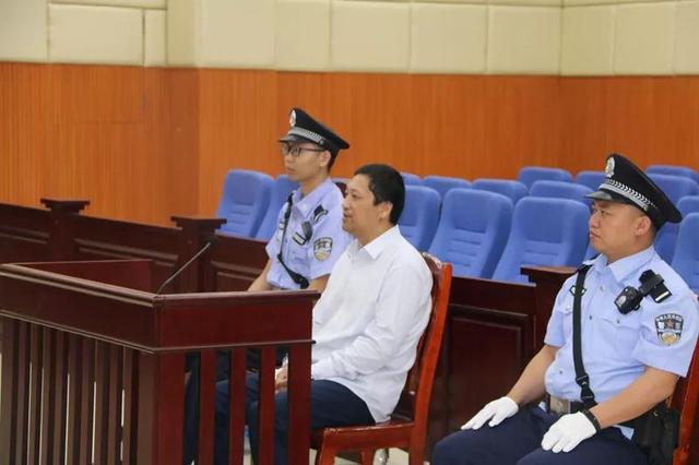 受贿200多万非法拘禁索要财物者江西赣州章贡区城管局原局长胡晓辉获刑