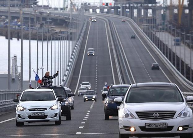刻赤海峡大桥通车。(图片来源:塔斯社)