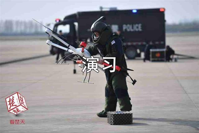 【视频】规模最大、科目最全!湖北机场公安局组织开展反恐综合演练