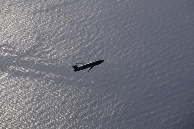 LRASM远程反舰导弹打开弹翼飞行