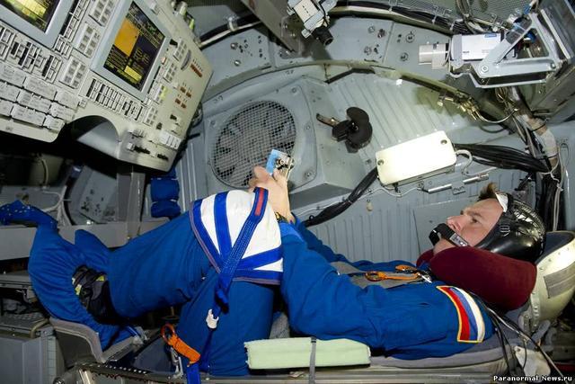 ���H太空站漏�� 或因美航天�T想回地球存心�@孔?