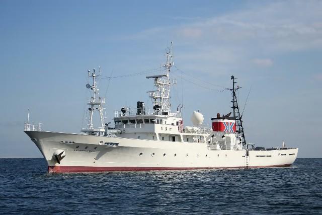 中国渔船越界捕鱼还把日本官员拉跑了?中方回应