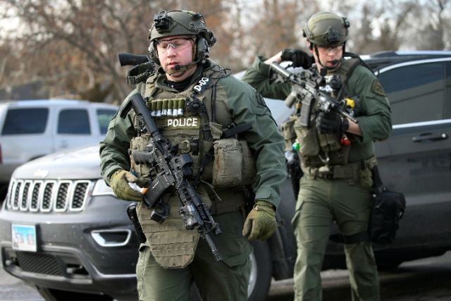 美国工厂枪案致5死5伤 枪手虽为累犯仍被批准持枪