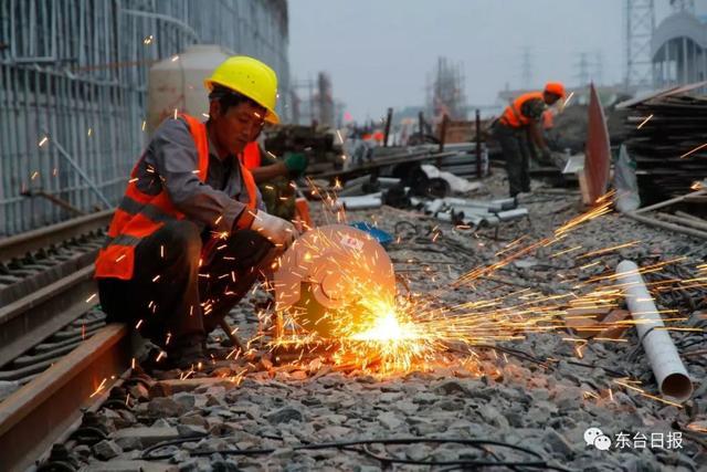 东台高铁站明年底启用,建设规模约2.4万平方米......
