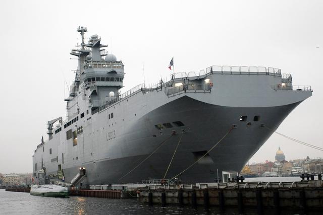 """两栖攻击舰为何被叫作""""准航母"""""""