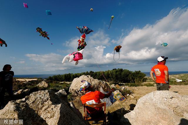 马耳他举办国际风筝节 彩色风筝装点天空