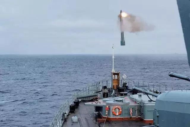 俄海军无畏级升级改造,和咱家魔改后的现代级驱逐舰,谁更厉害?|军情晚报