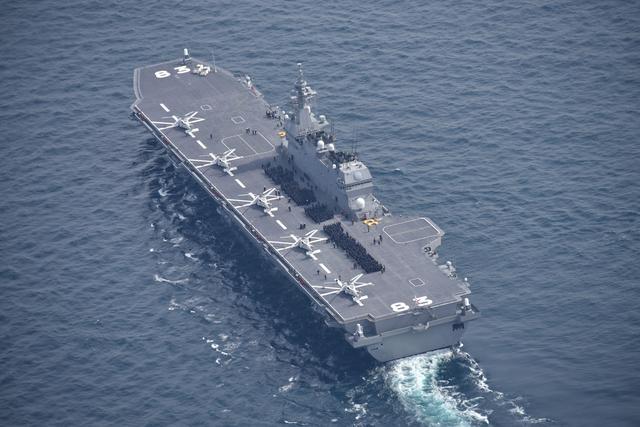 出云级装备F-35B能打赢正规航母?军迷一厢情愿的,现实恰恰相反
