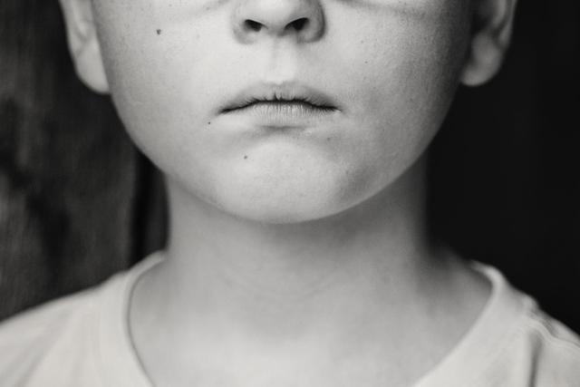 俄9岁男童惨遭邪教亲爸毒打身亡抛尸,警方:嫌疑人如同行尸走肉