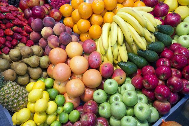 肉菜水果等农产品在运输、售卖等过程中是否有附着新冠肺炎病毒的可能?