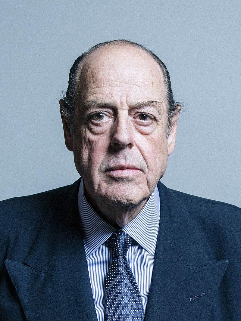 僧古推斯·索姆斯是丘凶我之孙,1983年被选议员 图自:英国议会