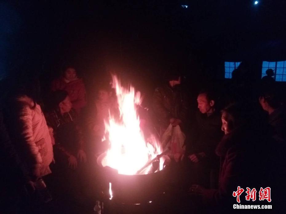 【淘宝试用在哪里】又炸了 韩国用户曝光三星5G手机自燃
