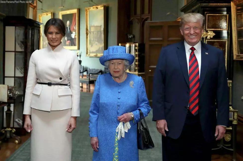 英国女王与特朗普夫妇(路透社)