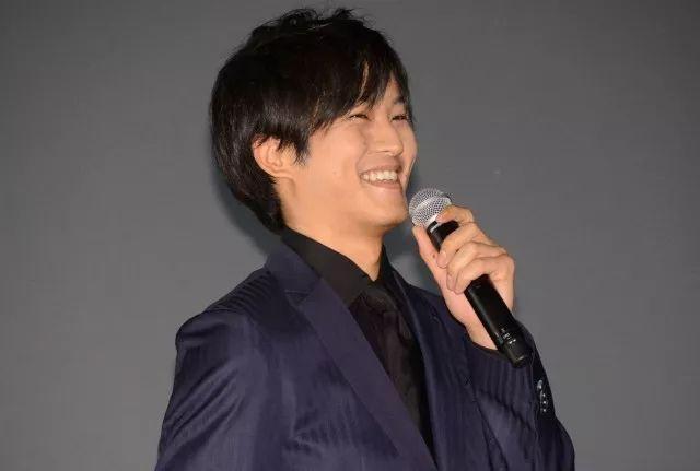 松坂桃李表示《娼年》与《名侦探柯南》有异曲同工之妙
