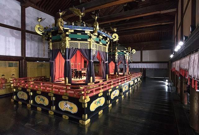 """日本天皇登基大典在即,光修这把""""龙椅""""花了5亿日元"""