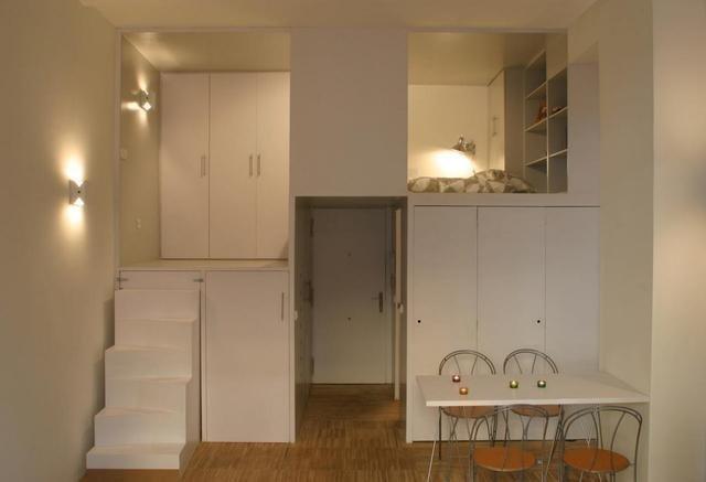 刚改造的28平公寓层高不到5米改成了小复式楼梯下收纳图片