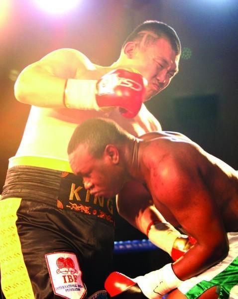张君龙极速KO能力惊人又刷新一项纪录,却谦称要加强长局作战本领