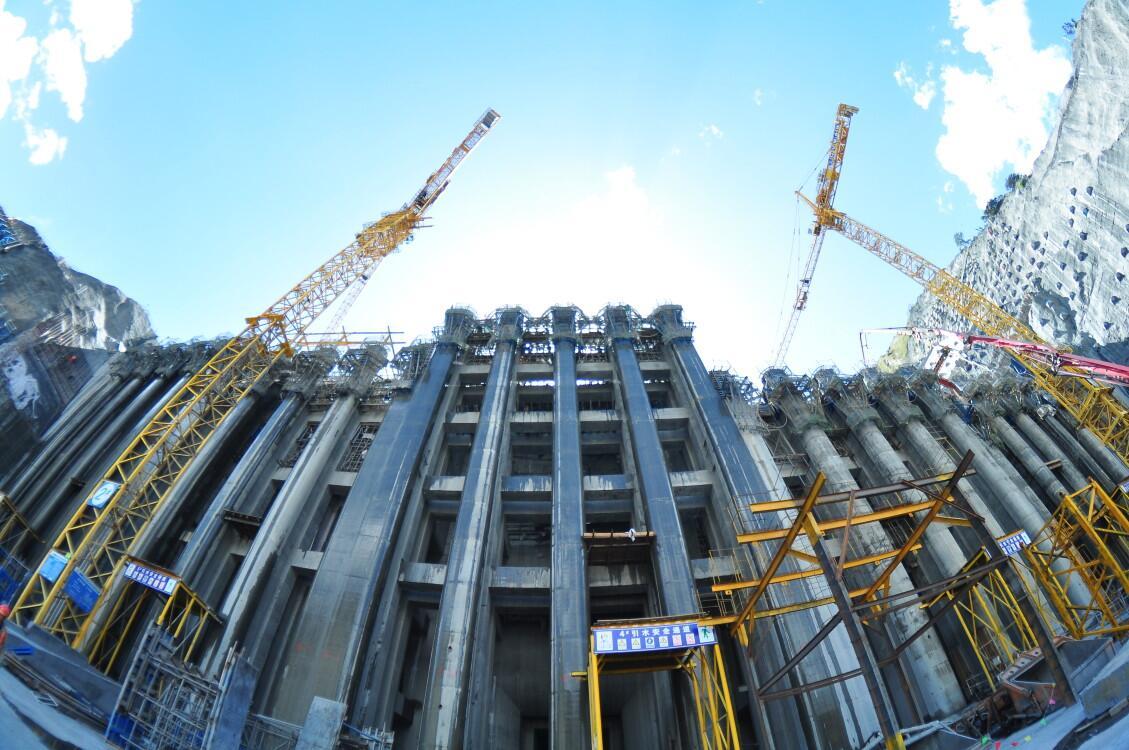 世界最高电站进水塔全面封顶 中国电建承建图片