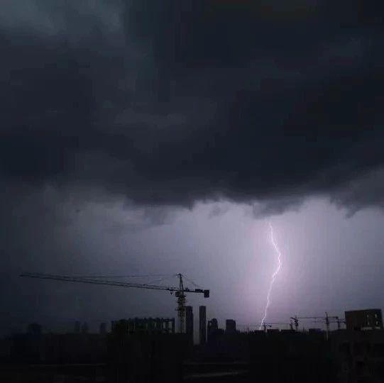 暴雨+雷电+大风!江西多部门发布预警