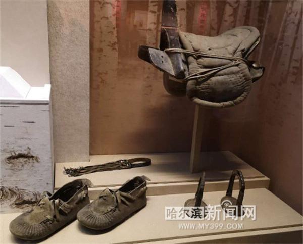 东北抗联鸡冠山密营文物在抗日战争纪念馆展出