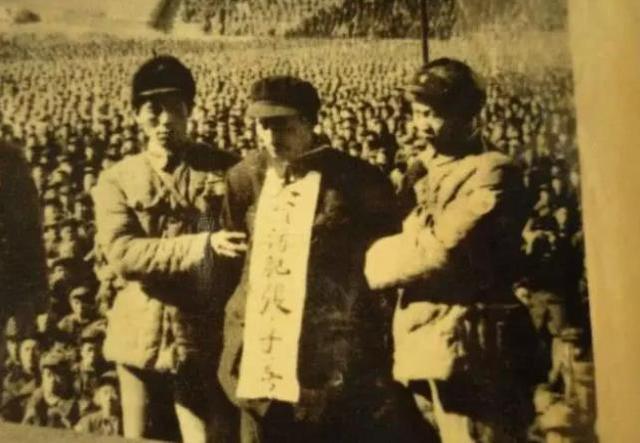 大贪官刘青山被处决后,爹死娘嫁人,他的三个儿子下场如何