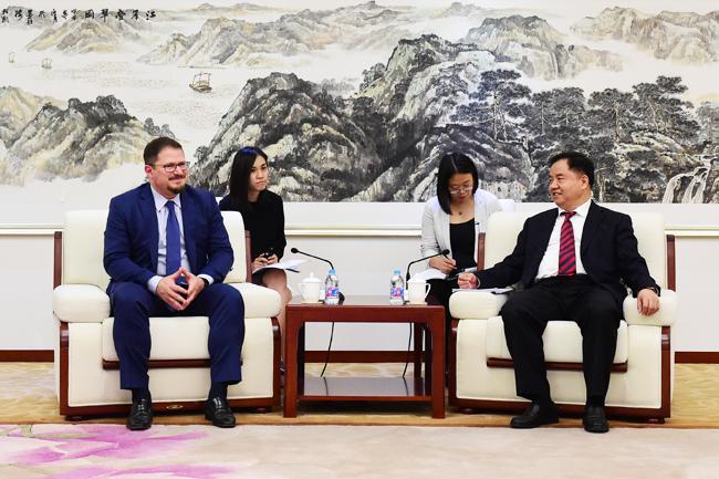 工信部副部长会见高通总裁 就5G发展等议题交换意见