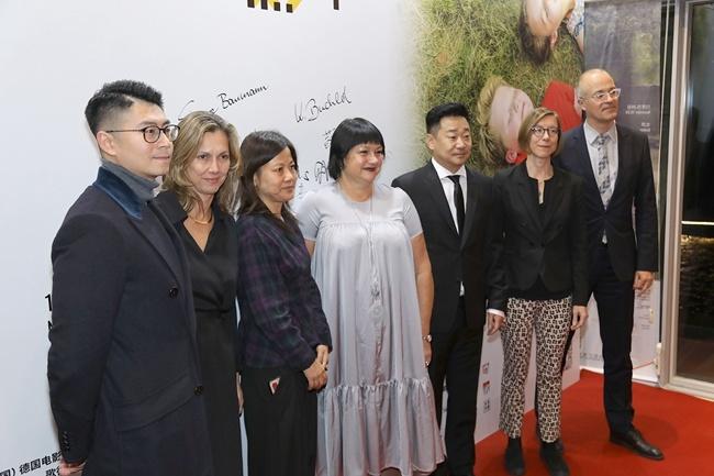 王景春助阵德国电影节 谈金鸡奖:提名即肯定