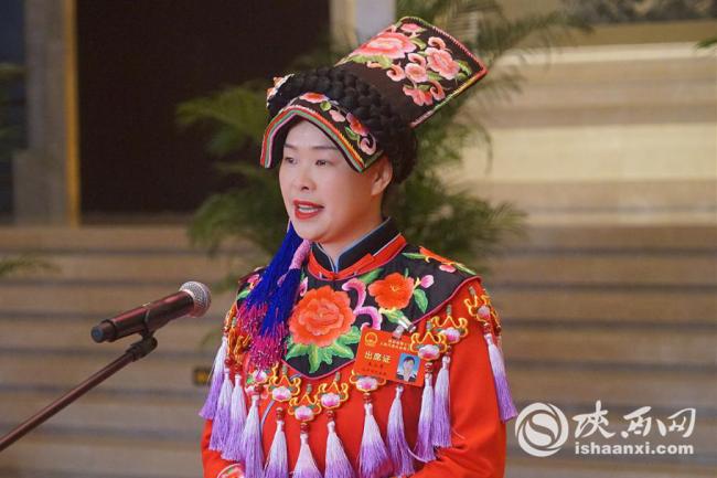 省人大代表|王小琴:致力保护传承羌绣文化产业 推动羌文化走出国门