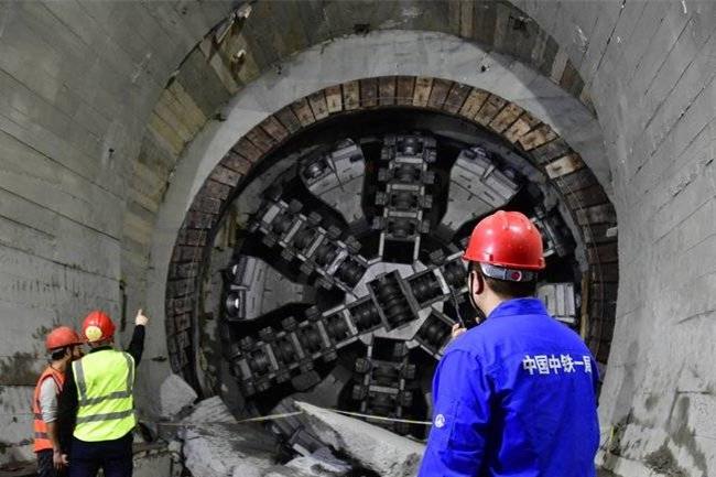 中國穿越海底距離最長地鐵隧道貫通 長5.4公里