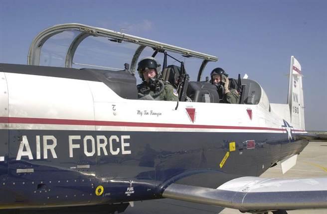 美军查清战机缺氧问题原因 全部修复需要4年