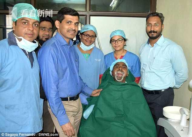 印度男子1岁时摔跤磕到下巴 38年张不了嘴吃流食