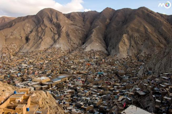 奎达有两个哈扎拉社区,分别是图中的Mari Abad和哈扎拉镇