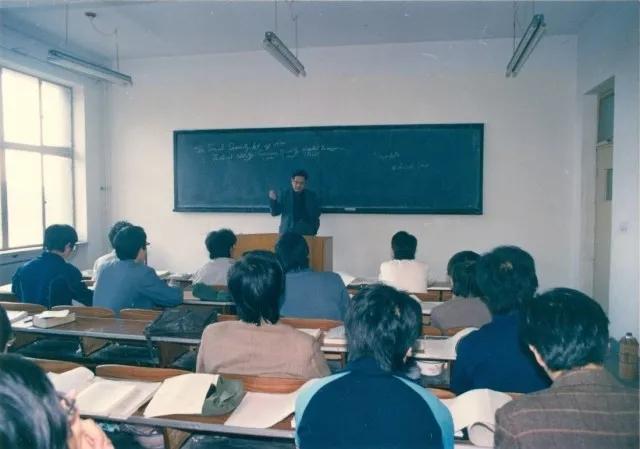 段先生为第一届精算学生讲授《风险管理》