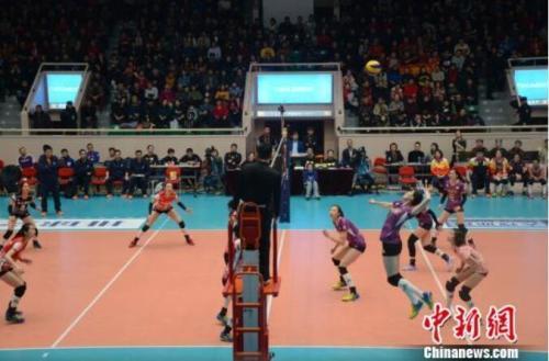 天津女排第11次问鼎联赛冠军 豪取300万奖金