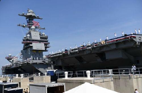 """資料圖片:2017年7月22日,美海軍首艘""""福特""""級航母正式服役。(新華社)"""