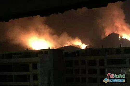赣州市赣县区多地发生森林火灾 暂无人员伤亡(图)