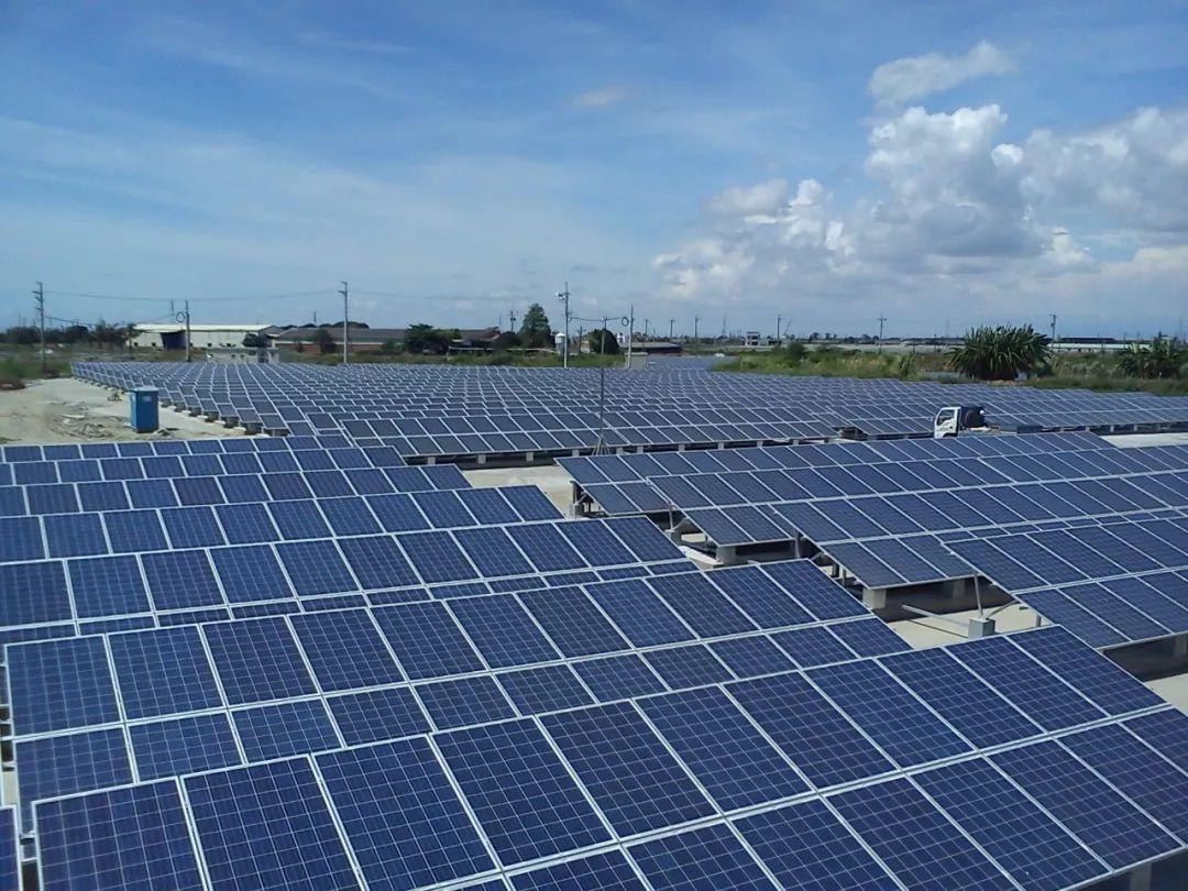 用太阳能充电站解决电动车焦虑?这事还过于理想