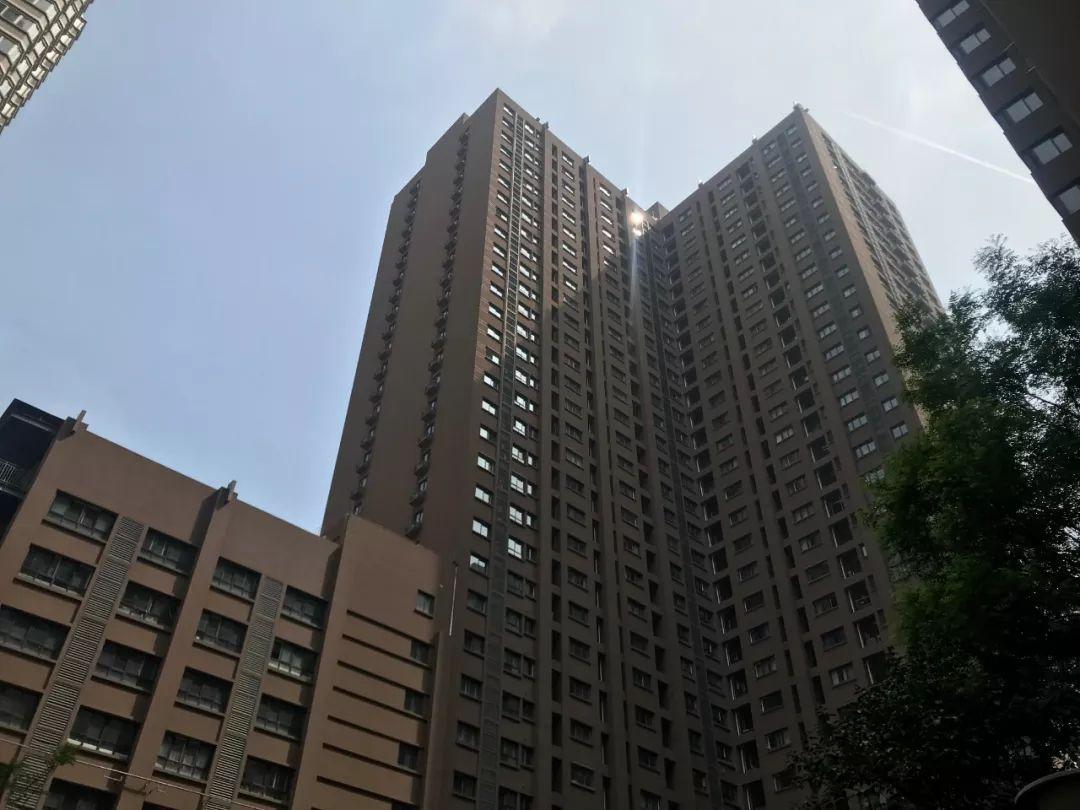 2月26日凌晨3:30,冯洁从17楼一跃而下。新京报记者周小琪摄