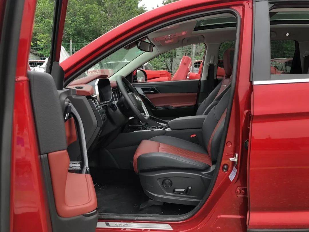 10万买国产SUV,这台空间大配置高,还有一副好看的皮囊!