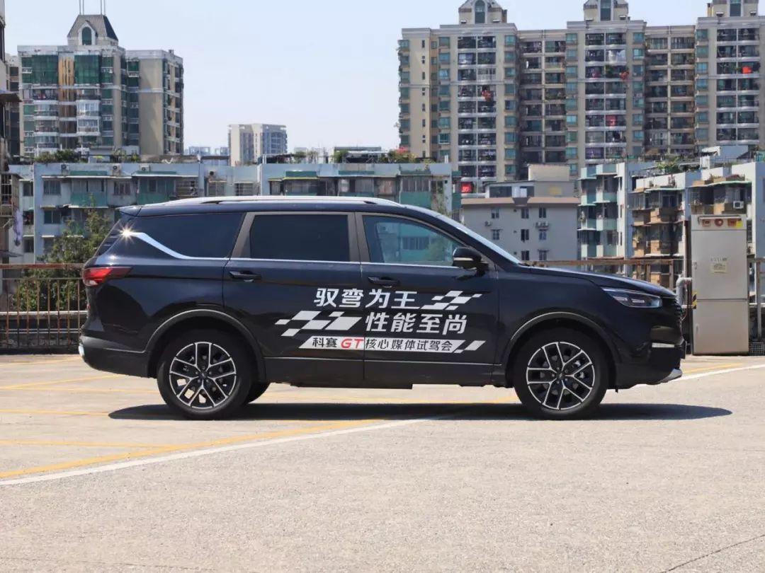 9.99万起售,尺寸超大、科技感爆棚,这SUV刚上市就火?