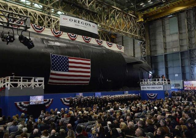 """怒砸222亿,美国海军大幅扩建!计划再购买9艘""""弗吉尼亚""""核潜艇"""