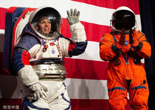 NASA新登月宇航服套装亮相 适合所有体型宇航员