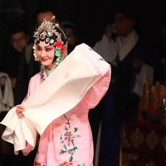 """岳阳75岁老奶奶身轻如燕 上榜中国京剧""""十大名票"""""""