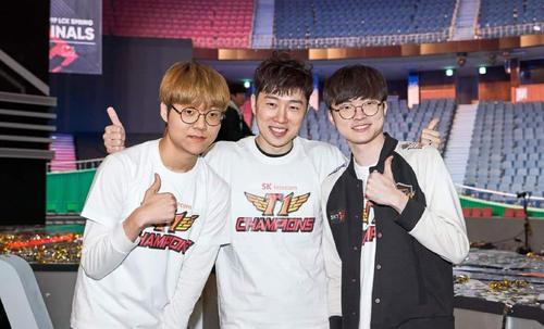 LOL韩服战绩更新,SKT首发五虎都是最强王者,IG呢?
