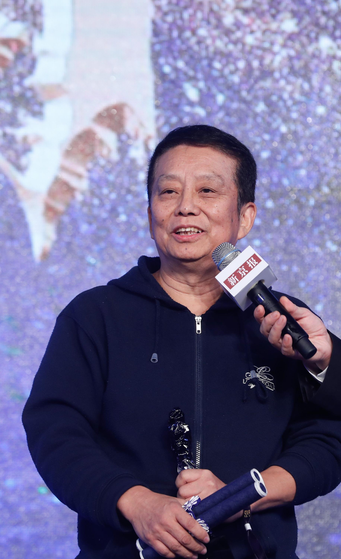 黄建新获2019新京报大国匠心致敬礼年度匠心荣耀人物