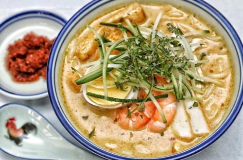 新加坡哪些美食受接待?海南鸡饭等让人进退两难