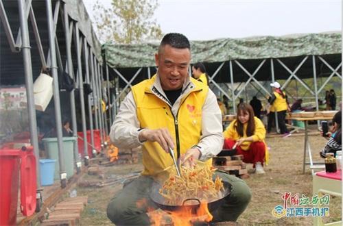 """萍乡:""""心手相牵·助梦飞翔""""公益活动助力孤困孩子成长"""
